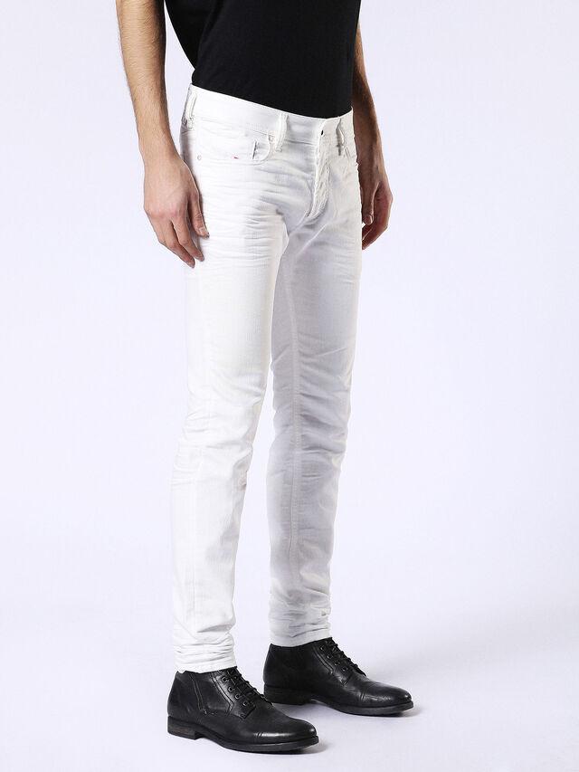 Sleenker 084CY, Blanc