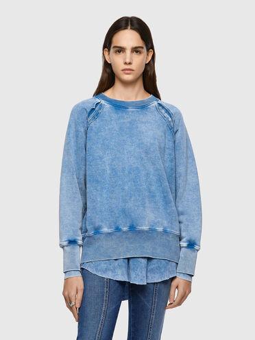 Sweat-shirt teinté par pigmentation superposée