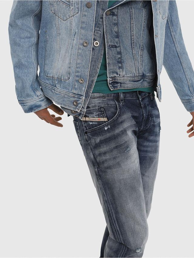 Diesel - D-Bazer 084DD, Bleu moyen - Jeans - Image 5