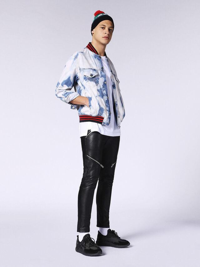 D-SHAN, Jean blanc