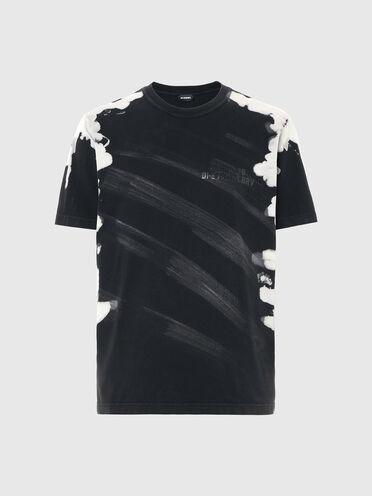 T-shirt traité avec teinture pigmentée