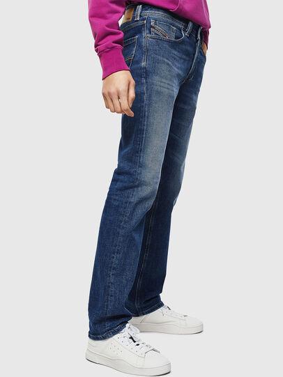Diesel - Larkee 0096E, Bleu moyen - Jeans - Image 6
