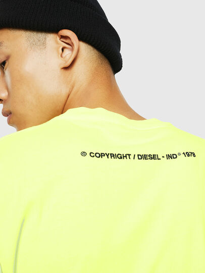 Diesel - T-JUST-SLITS-FLUO, Jaune Fluo - T-Shirts - Image 4