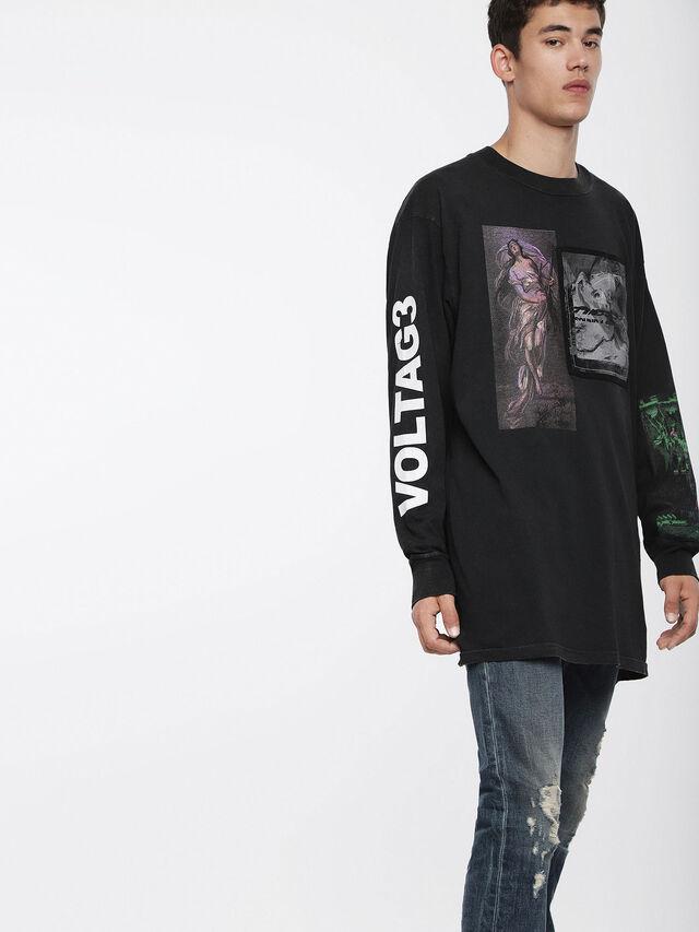 Diesel T-LUCAS-LS-XF, Noir - T-Shirts - Image 1