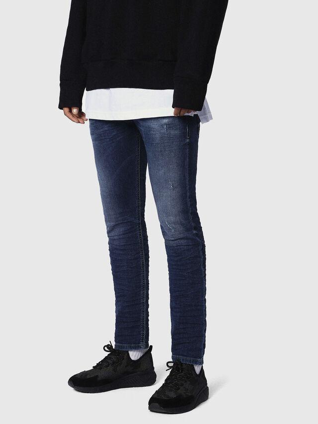 Diesel - Krooley JoggJeans 0686W, Bleu Foncé - Jeans - Image 3