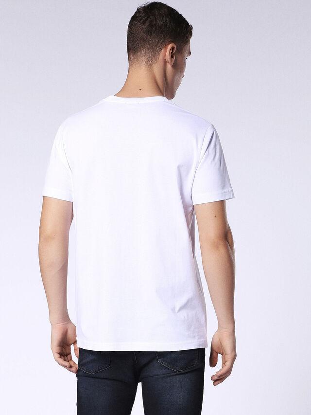 T-JOE-SB, Blanc