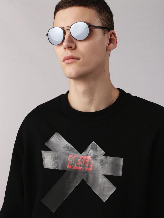 DL0265, Noir