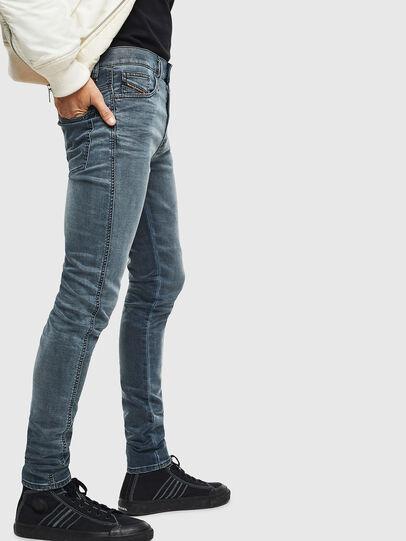 Diesel - D-Reeft JoggJeans 069LT, Bleu Foncé - Jeans - Image 4