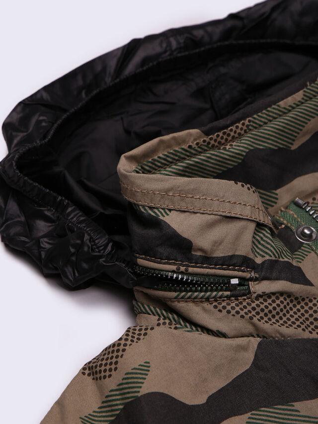 JENGINES, Vert Camouflage