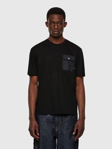 T-shirt avec poche à rabat sur le torse