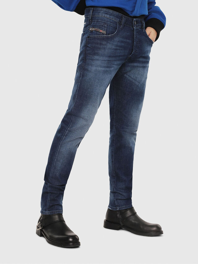 Diesel - D-Bazer 084GR, Bleu moyen - Jeans - Image 1