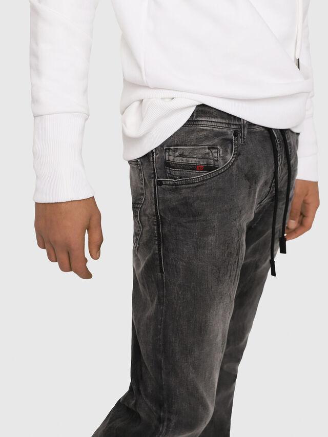 Diesel - Narrot JoggJeans 8880U, Noir/Gris foncé - Jeans - Image 4
