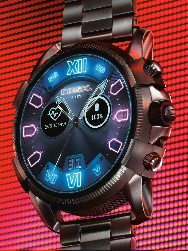 Diesel - DT2011, Gris argenté - Smartwatches - Image 2