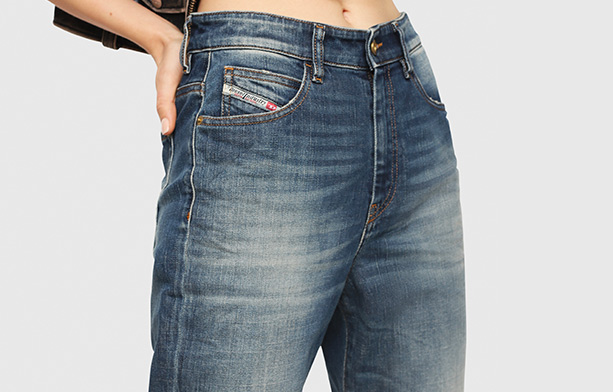 Jeans Woman on Sale